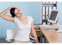 Ti-e cald si ai obosit in timp ce lucrezi? Descopera 5 exercitii de relaxare la birou