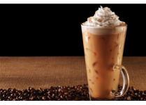 Bea cafea rece ca gheata! 5 idei cu care sa-ti incepi zilele de vara