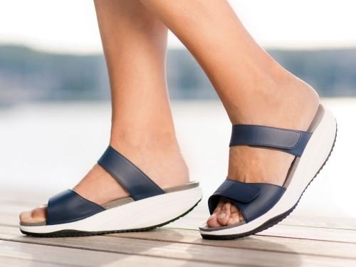 Pure Sandale pentru femei Slip On Walkmaxx