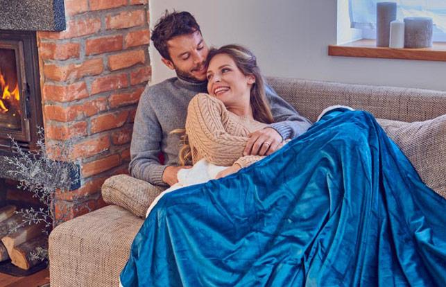 Set din perna si patura Dormeo Warm Hug 2020 I